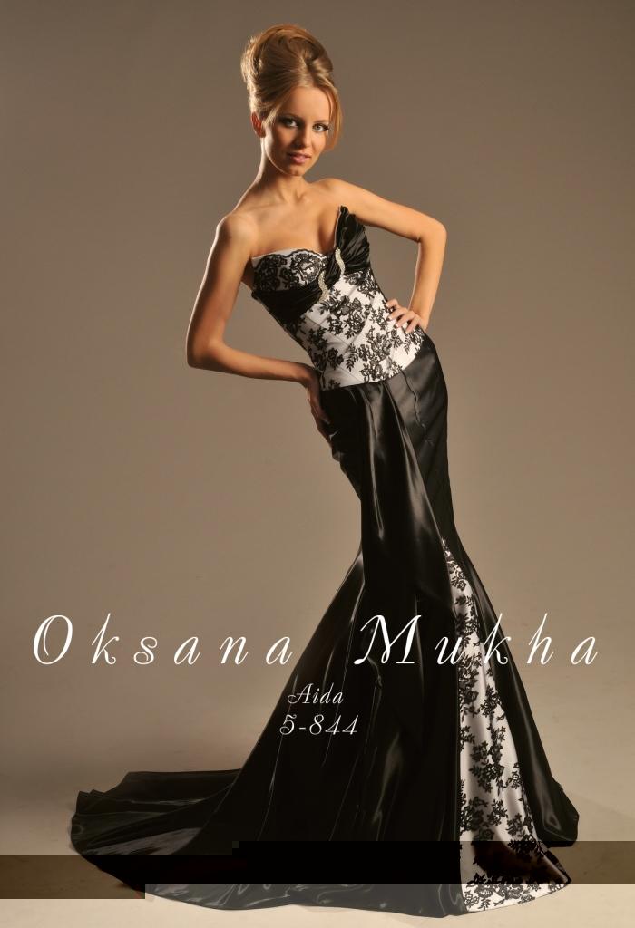 Фото на тему Красивые платья для зрелых женщин.