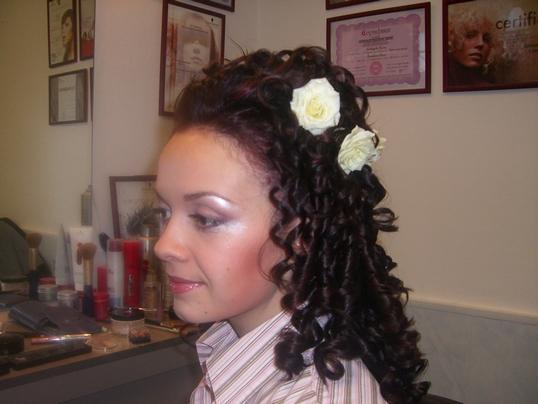 Фото на тему фото причёски с локонами.