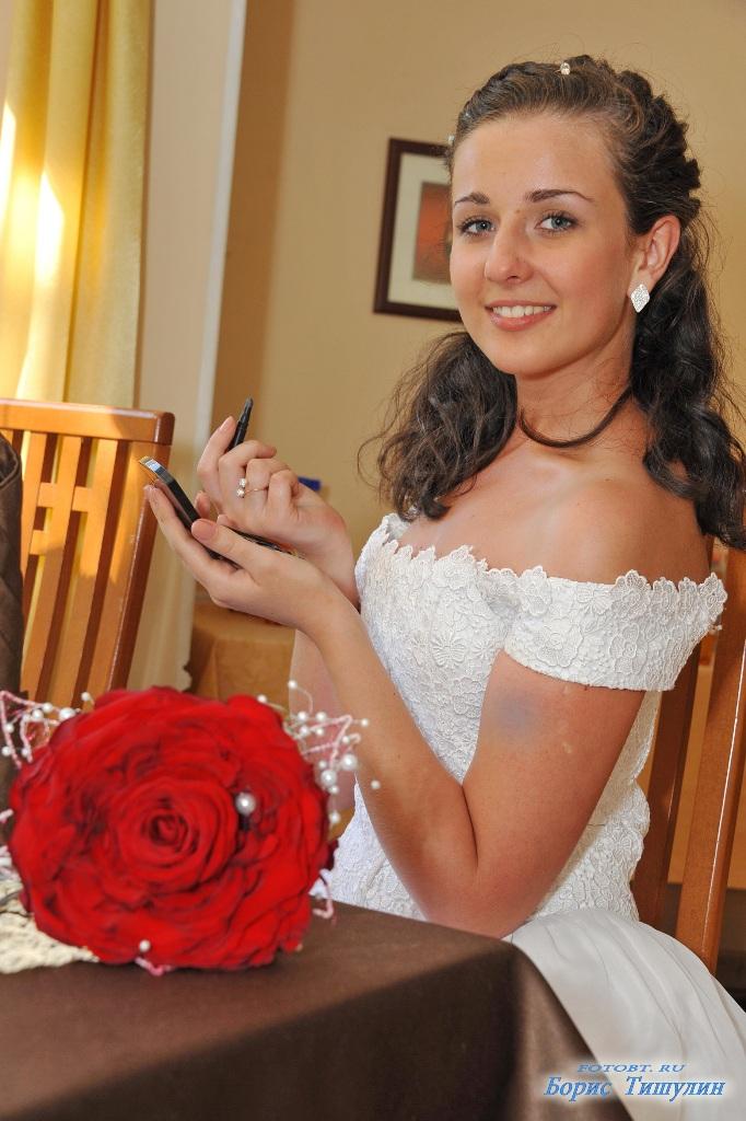 прокат свадебных костюмов и платьев в