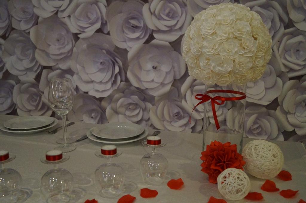 Как сделать большие бумажные цветы для оформления шатра на свадьбу